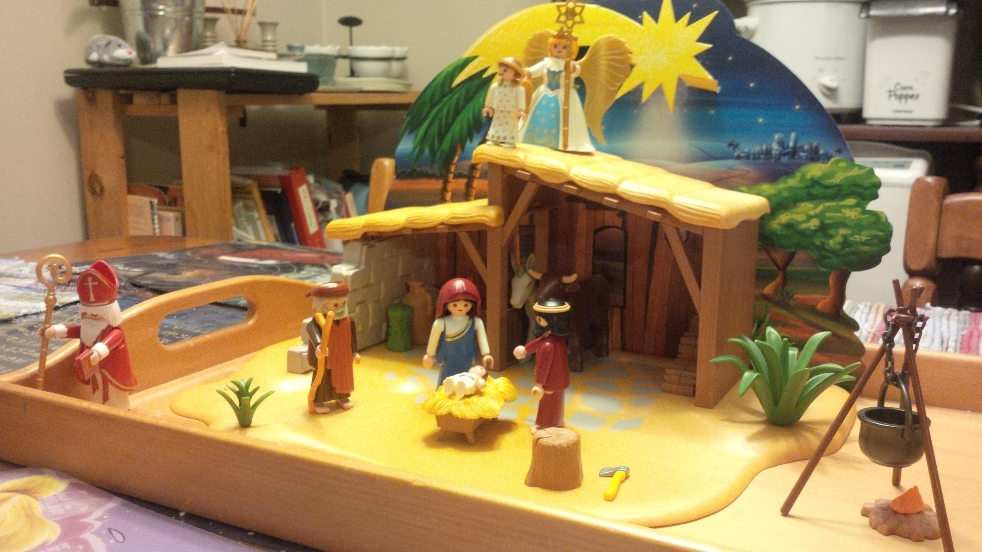 Playmobil Advent – Days Fourteen & Fifteen